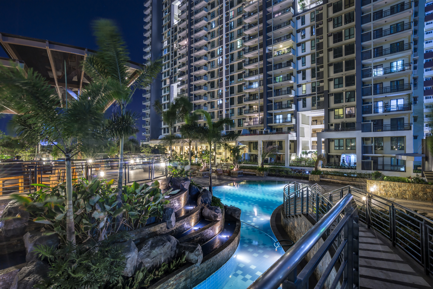 flair-towers-swimming-pool