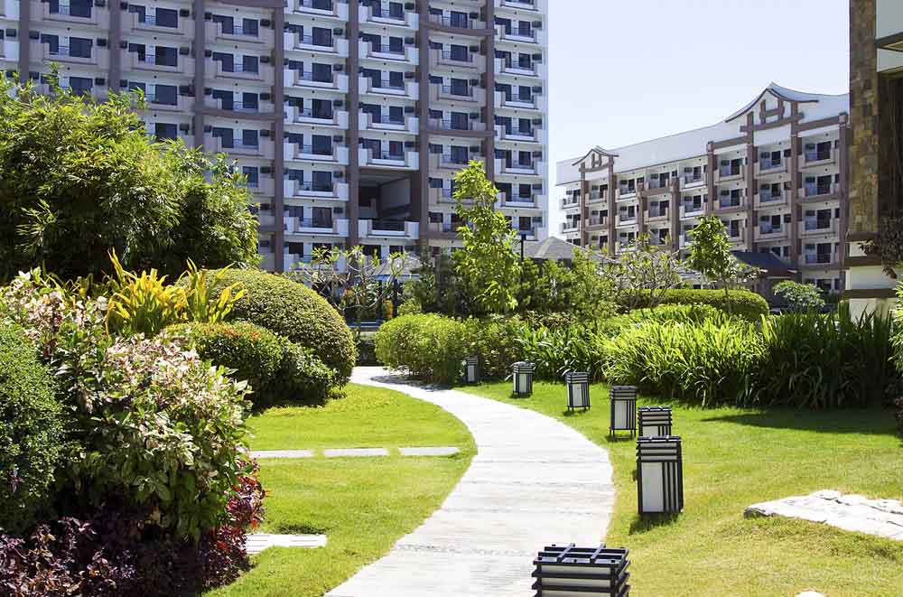 original-rhapsody-residences-walk-way